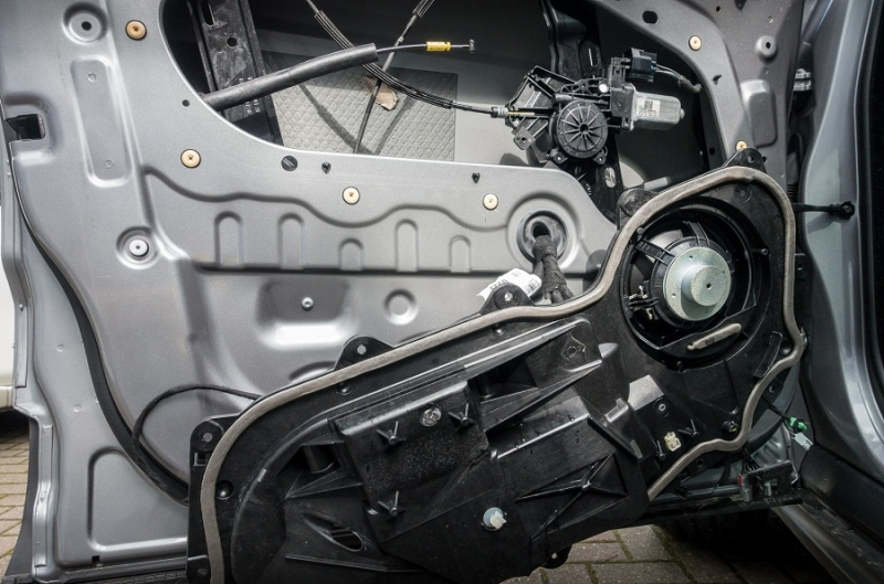 Ремонт электрики дверей автомобиля