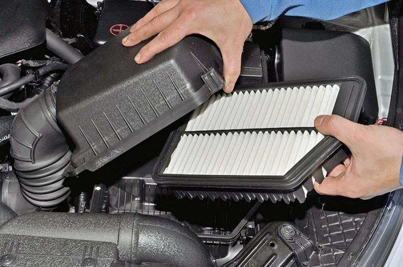 Замена воздушного фильтра двигателя